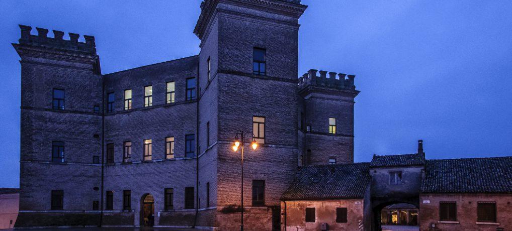 """""""A 100 Metri dal Castello Estense di Mesola"""""""
